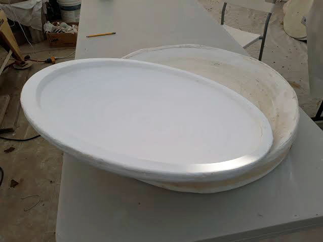 Large plate mold comes off master mold
